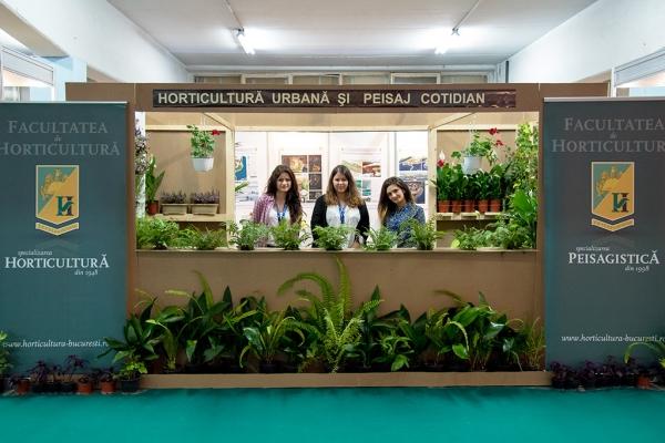 expo-flowers-and-garden-si-romenvirotec-2016-6A24825B1-049C-B5D8-94DC-344F6AFDB66C.jpg